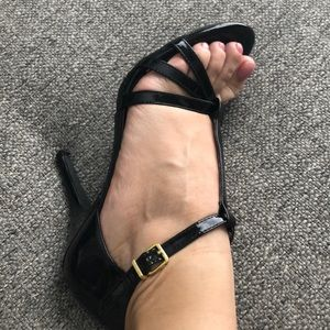 Jessica Simpson Patent Leather TStrap Sandals